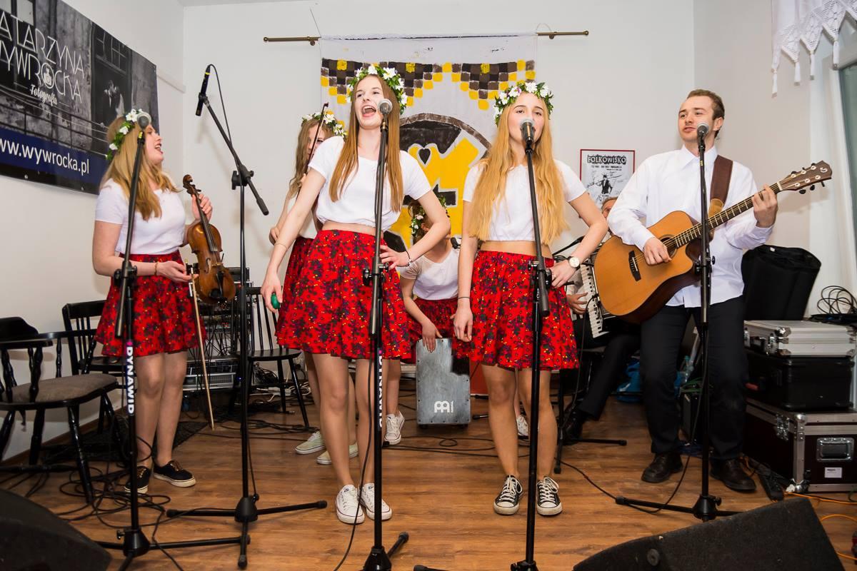 Zespół Janki dzięki głosom publiczności wystąpi na Folkowisku! Zrzućmy się na ich występ!
